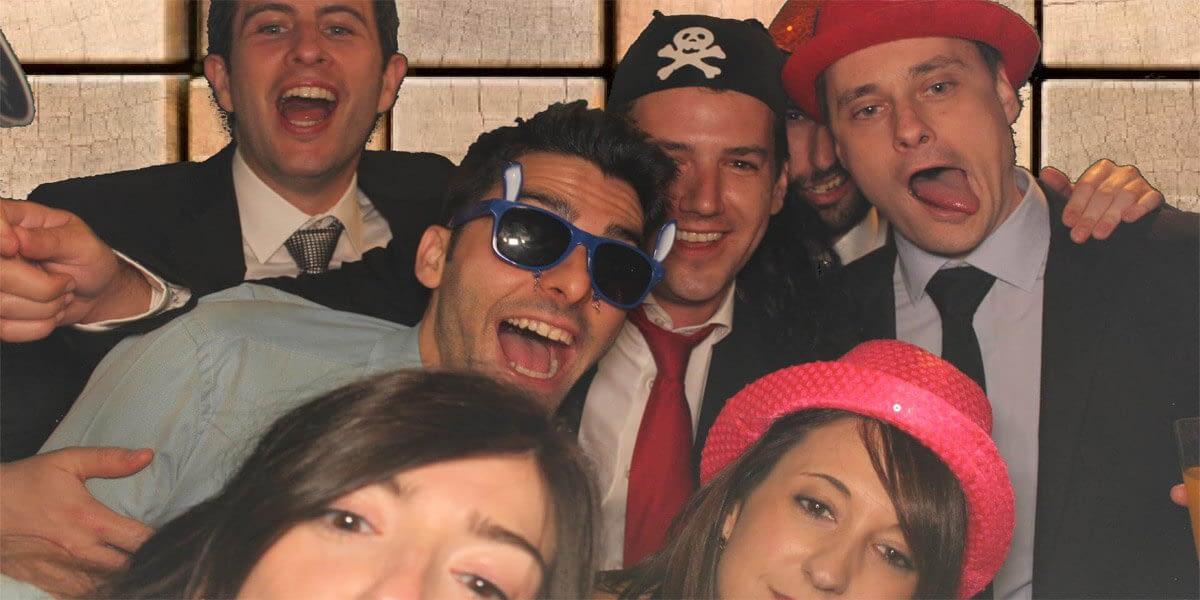 fotomaton espejo magico alquiler asturias fotomaton para bodas y eventos asturias cantabria leon bilbao